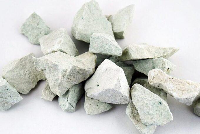 Къде се среща зеолитът и какви ползи има той за нас?