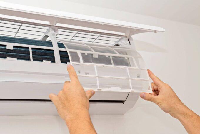 Почистване на филтри на климатик